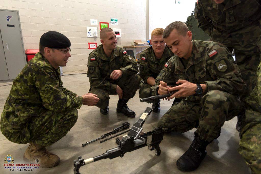 Żołnierze 10 Brygady Kawalerii Pancernej biorący udział w zawodach Worthington Challenge 2017