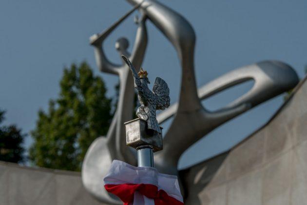 Hołd dla bohaterów spod znaku husarskiego skrzydła