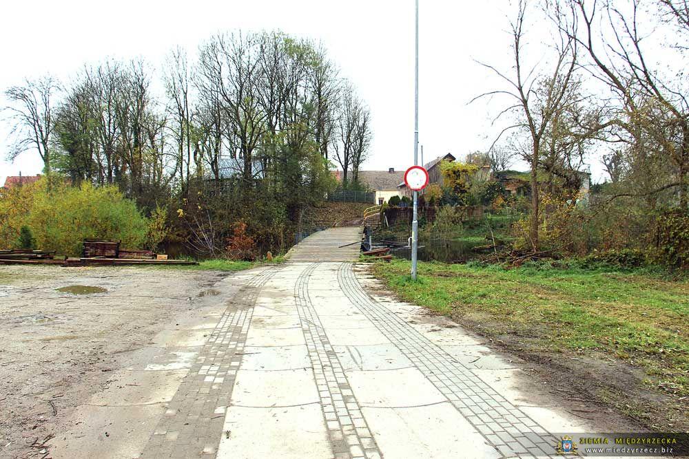 Międzyrzecz:  Most na Obrze w Świętym Wojciechu - stan na dzień 7 listopada 2017 r.