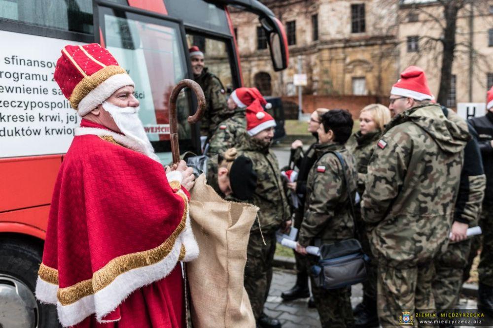Zostań Świętym Mikołajem – Oddaj Krew