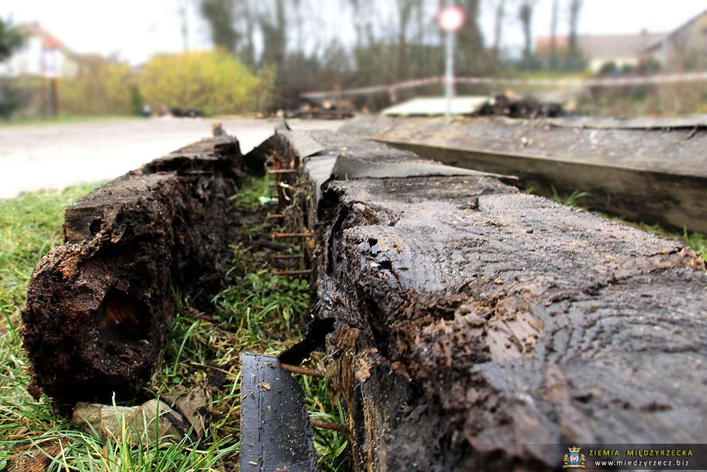 Międzyrzecz: Remont mostu na Obrze w Świętym Wojciechu – stan na dzień 02.12.2017 r.