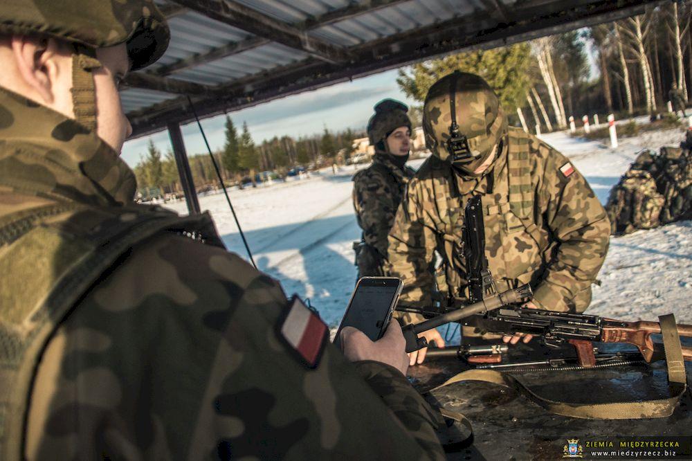 Zimowy zwiad - szkolenie zwiadowców cyfrowej brygady