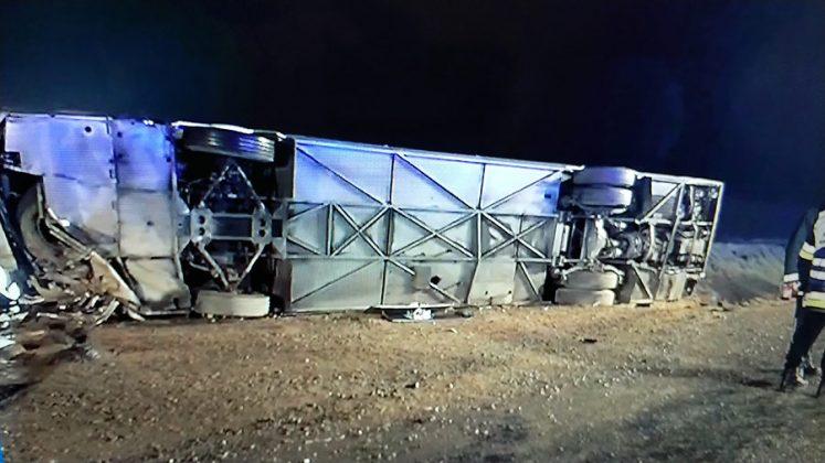 Wypadek autobusu na wjeździe na trasę S3 pod miejscowością Sucha Górna w gm. Polkowice