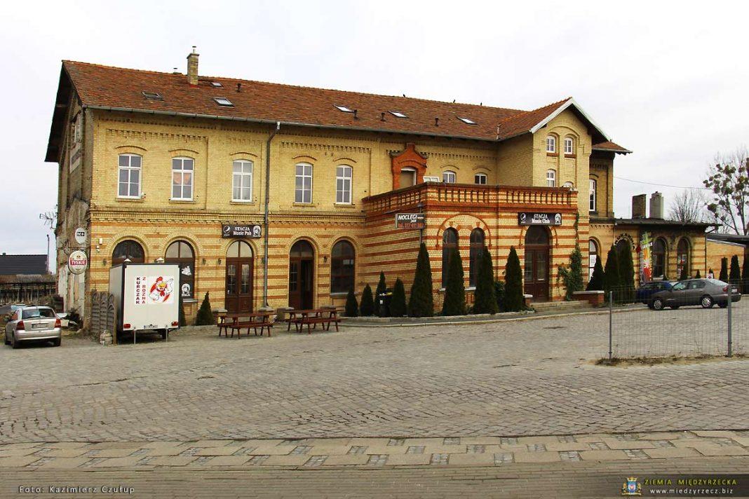 Budynek byłego dworca kolejowego w Międzyrzeczu