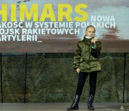 Na żagańskiej scenie wystąpiły znane już międzyrzeckiej publiczności wokalistki, reprezentantki sekcji wokalnej, Kalina Tomysek i Zuzanna Melcer.
