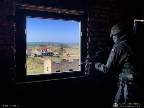 Mazowieccy Terytorialsi szkolą się w Ośrodku Szkolenia Poligonowego Wojsk Lądowych w Wędrzynie