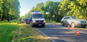 37 letni motocyklista wpadł w poślizg i się przewrócił