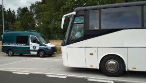 Niesprawne autokary i niewypoczęci kierowcy