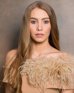 Laura Wycichowska Portret