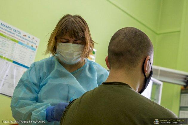 Pierwsi Ratownicy Medyczni Zaszczepieni 03