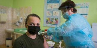 Szczepionki Dla Medykow W Mundurach 09