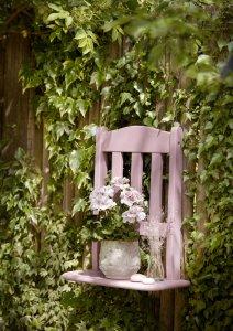 2021 geraniums 1020 diy floating flower chair 02
