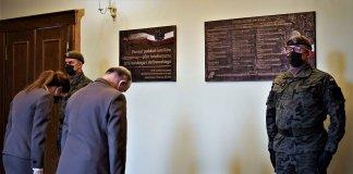 uczcili pamięć ofiar zbrodni katyńskiej 000