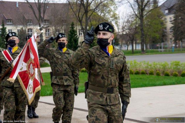 dzień flagi rzeczpospolitej polskiej międzyrzecz 02