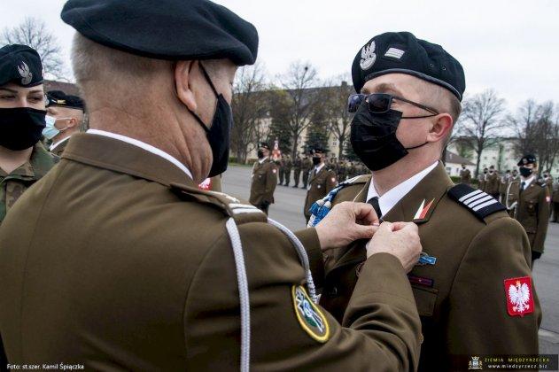 dzień flagi rzeczpospolitej polskiej międzyrzecz 13