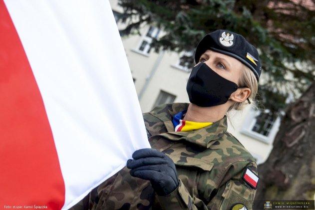dzień flagi rzeczpospolitej polskiej międzyrzecz 17