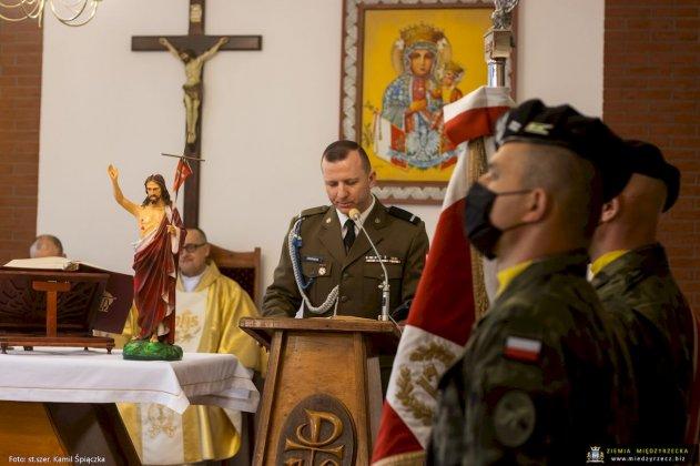 dzień flagi rzeczpospolitej polskiej międzyrzecz 22