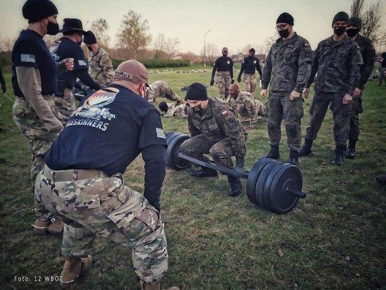 żołnierze walczyli o ostrogi 002