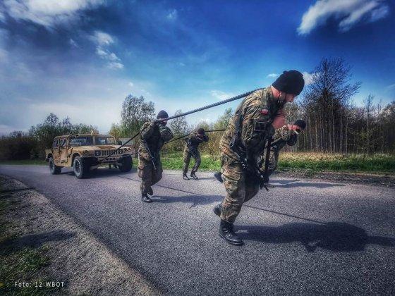 żołnierze walczyli o ostrogi 005