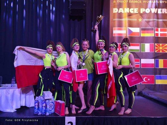 zespÓŁ taneczny new dance family 001