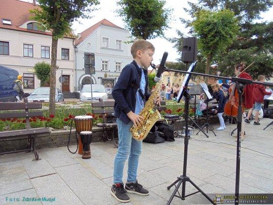 koncerty plenerowe 30