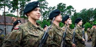 absolwenci klas wojskowych przysięgali 000