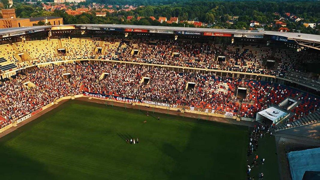 superbet sponsor górnika stadion