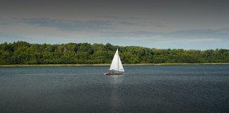 jezioro głębokie jesienią 000